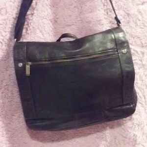 Other - Kenneth Cole messenger